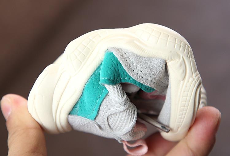 Otoño bebé niña Niño Zapatos Niño Infante Casual zapatos de correr Fondo suave cómodo color de costura niños zapatillas 24