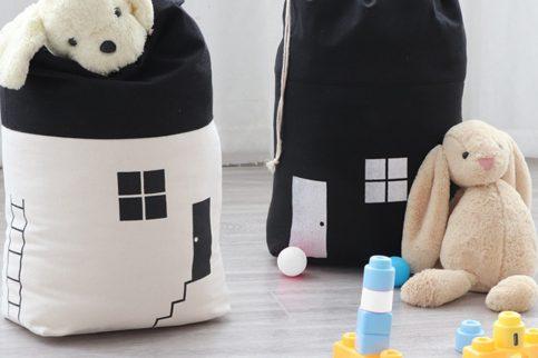 Bolsa de tela para guardar juguetes con forma de casa 1
